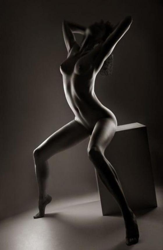 фото голых девушек в черно белом