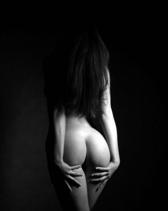 Фото голых черно белые
